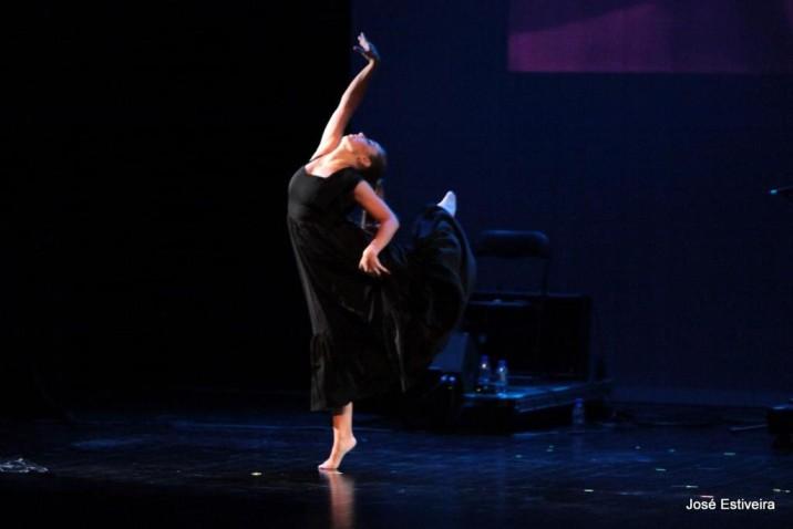 """Laura Abel, uma bailarina parada pela pandemia: """"é mais seguro ir a um espetáculo do que ao supermercado"""""""