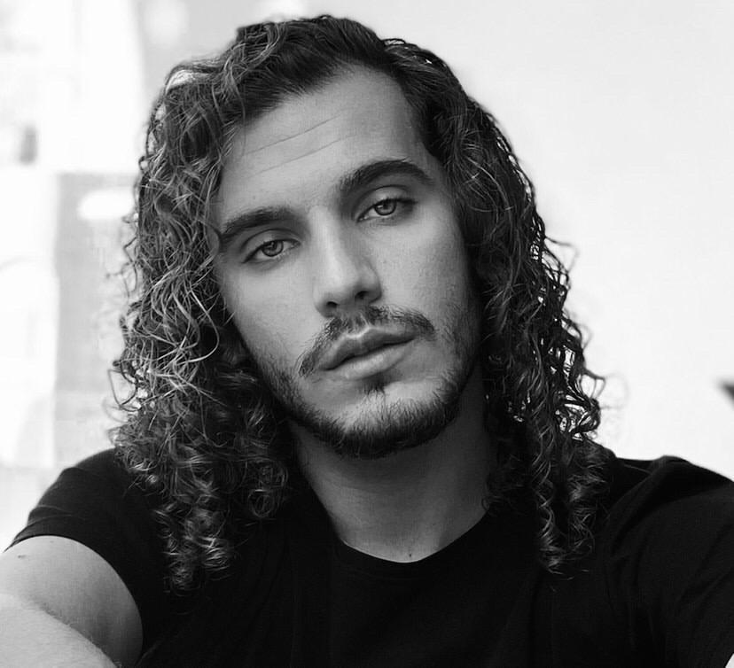 Francisco Ribeiro: o jovem cantor que viu o seu sonho em pausa